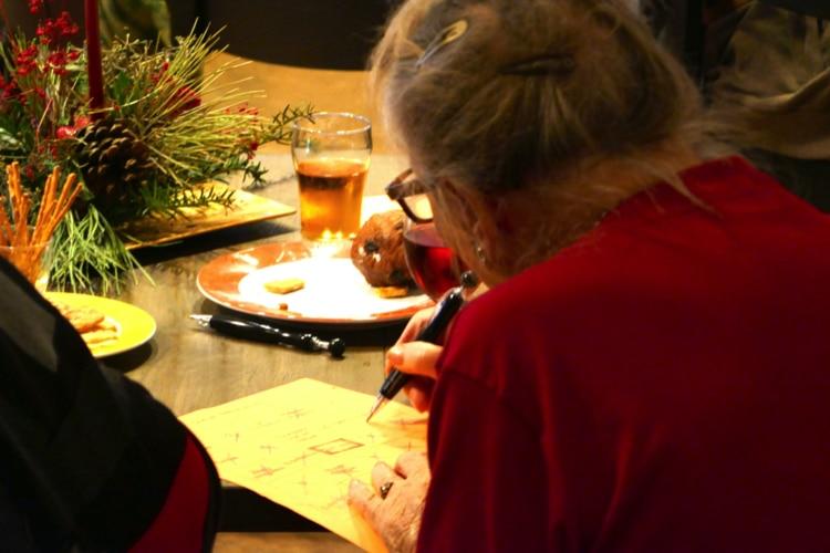 gezellige middag voor ouderen